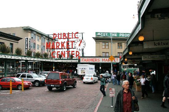 Pike Place Market: Main entrance of market.
