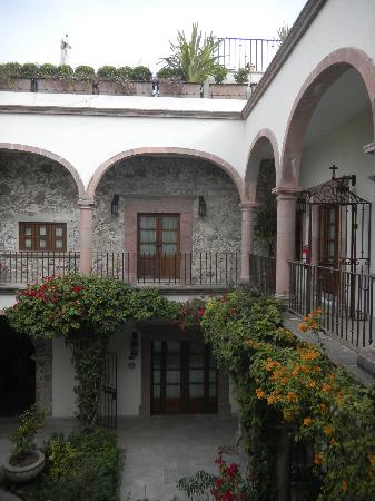 Belmond Casa de Sierra Nevada: Patio interno del hotel