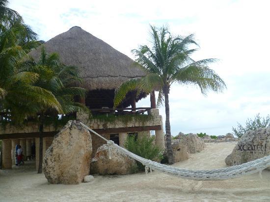 Xcaret Eco Theme Park: XCARET-Zona de restaurantes frente al mar Caribe
