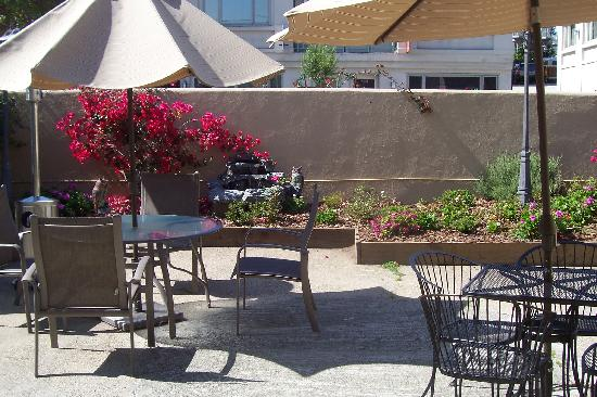 Cannery Row Inn: The patio  outside of the office