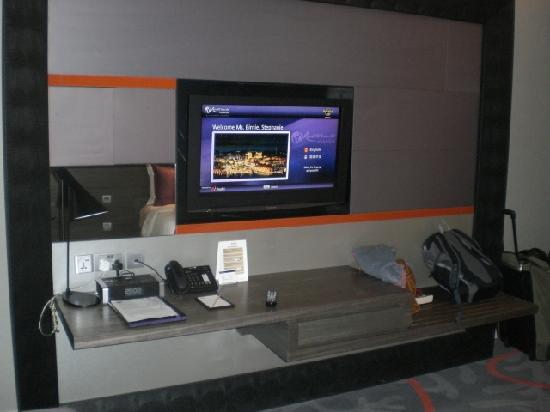 Hard Rock Hotel Singapore: Flat Screen