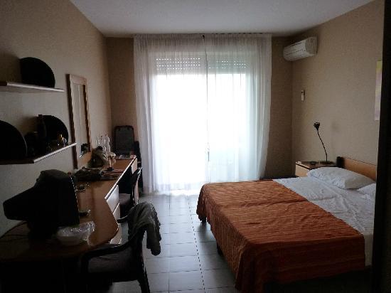 Hotel Bel 3: habitacion