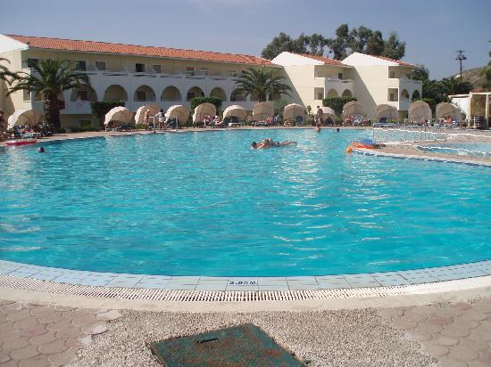 Cephalonia Palace Hotel: The pool