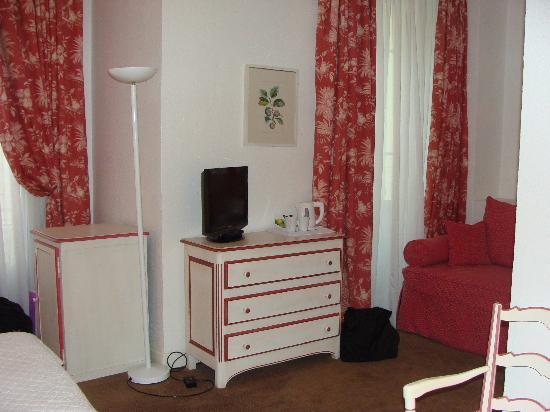 Hotel Le Grimaldi by HappyCulture: Our room at Hotel Grimaldi
