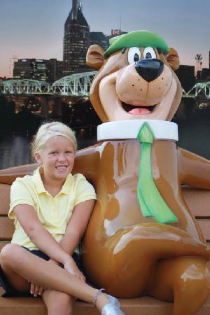 Nashville Jellystone Park: Hannah and Yogi
