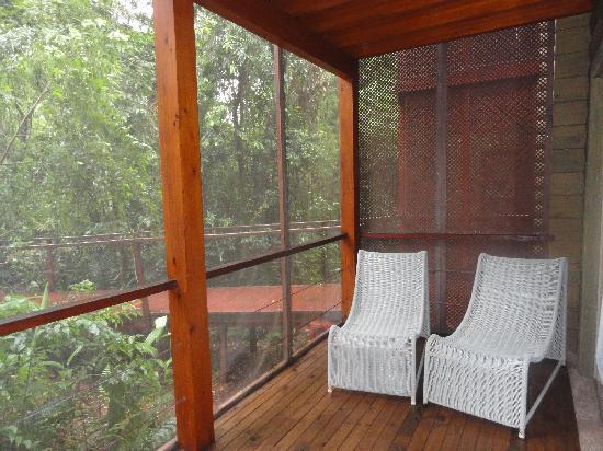 La Cantera Jungle Lodge: Deck privado de la habitación con vista a la selva