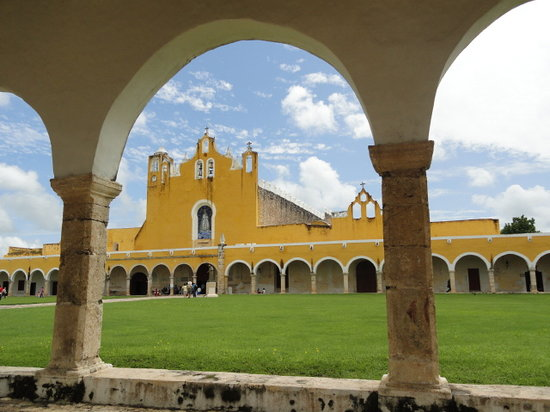 Last Minute Hotels in Izamal
