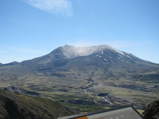 Mount st helens visitor center castle rock wa top for Rental cabins near mt st helens