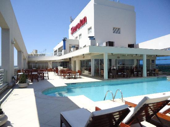 Sheraton Asuncion Hotel: vista de la piscina