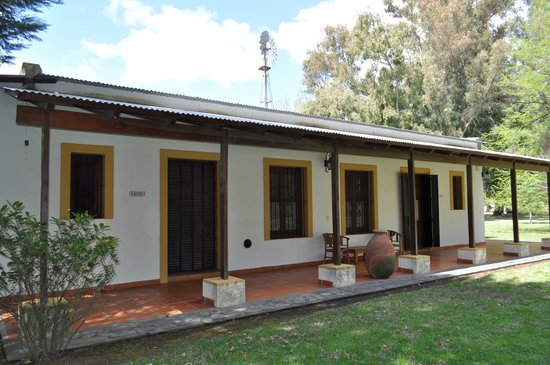 Estancia La Vasquita: una delle dependances con un gruppo di tre stanze