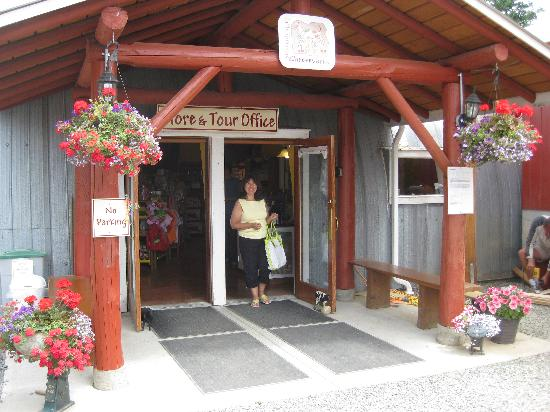 Little Qualicum Cheeseworks : The store with more.