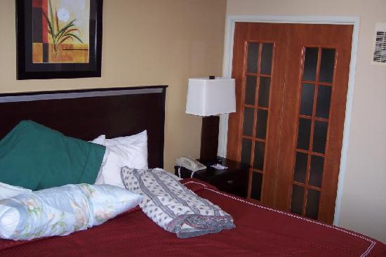 Comfort Suites Denver Tech Center: Super comfortable bed with nice heavy comforter