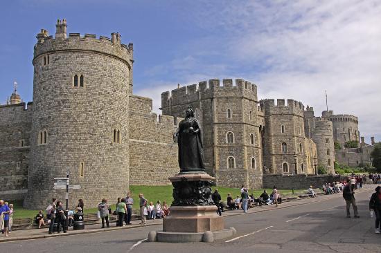 พระราชวังวินด์เซอร์: Windsor Castle