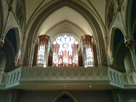 มหาวิหารเซนต์จอห์นเดอะแบ๊พติสท์: inside church