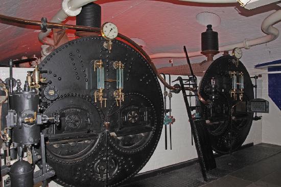 สะพานทาวเวอร์บริดจ์: boiler from steam room