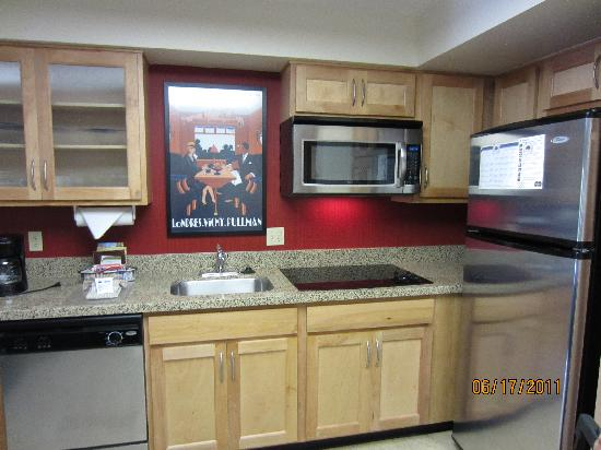 Residence Inn Salt Lake City Downtown: kitchen area