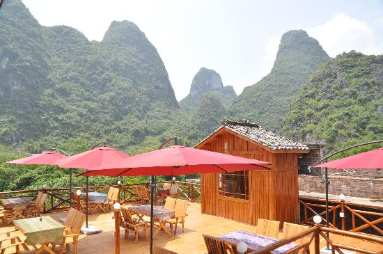 Yangshuo Phoenix Pagoda Fonglou Retreat: Rooftop Bar