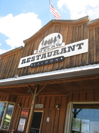 Outlaw Restaurant & Saloon: The Outlaw Saloon