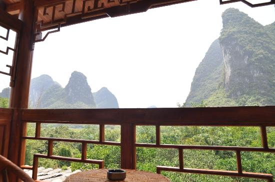 Yangshuo Phoenix Pagoda Fonglou Retreat: View from the balcony