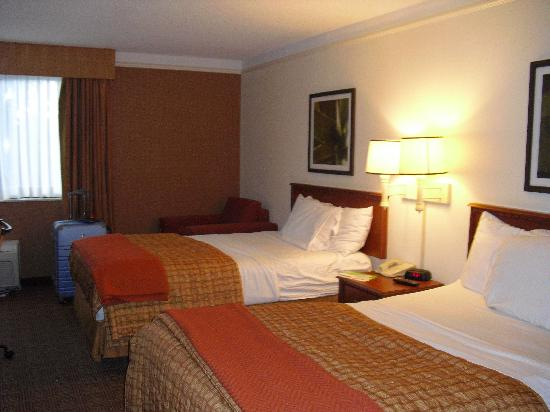 La Quinta Inn & Suites Ft Lauderdale Cypress Creek: habitacion