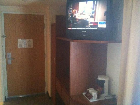 Fiesta Inn Nogales: TV, now they've got flat screens