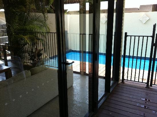The Pearle of Cable Beach: Deck, Living Room, Plunge Pool