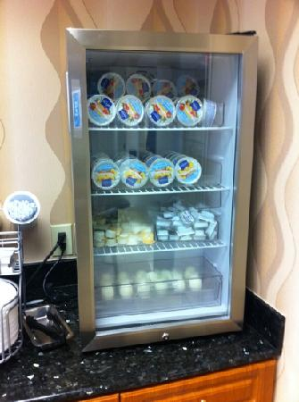 Comfort Suites: nice refrigerator for yogurt