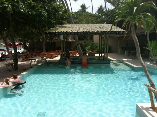 อนันตรา รสานันดา เกาะพะงัน วิลล่า รีสอร์ท แอนด์ สปา: the bar by the pool