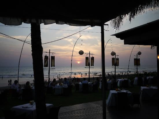 Breeze at The Samaya Seminyak: One picture suffices... beautiful!