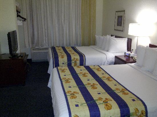 SpringHill Suites Pasadena Arcadia: Bedroom area