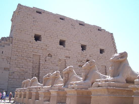 วิหารคาร์นัค: Ingresso principale del tempio di Karnak