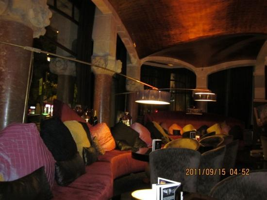 โรงแรมคาซาฟุสเตอร์: cafe and bar