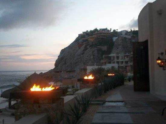 The Resort at Pedregal: anochecer