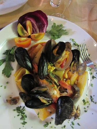 Casa Dominova Bed and Breakfast: Paccheri con vongole e cozze