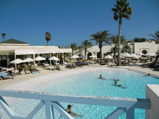 La piscine exterieure picture of yadis djerba golf for Thalasso quiberon piscine