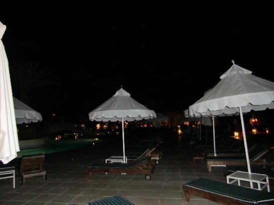 Yadis Djerba Golf Thalasso & Spa: Plage piscine exterieure