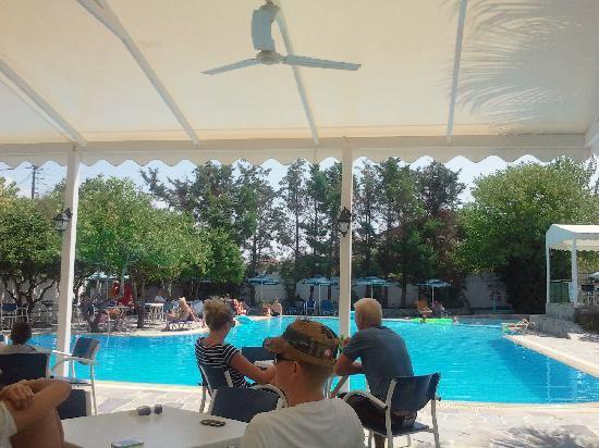 Lygia, Grecia: la zona presso il bar ristorante