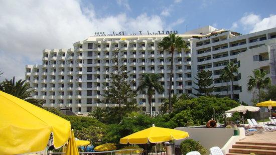 H10 Las Palmeras: Vue arrière de l'hôtel