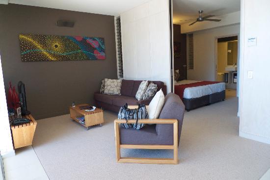 Peppers Noosa Resort and Villas: Lounge area & bedroom