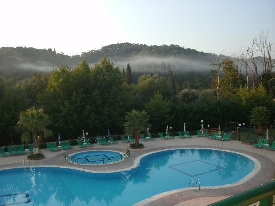 Damia Hotel: taken early in the morning - beautiful views