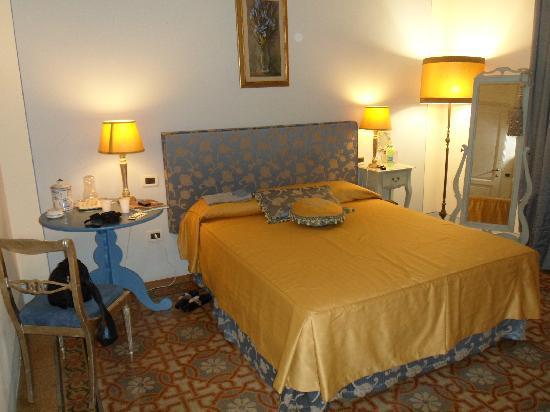 """Il Sole Antico: La stanza """"Giaggiolo"""" dove abbiamo dormito meravigliosamente"""