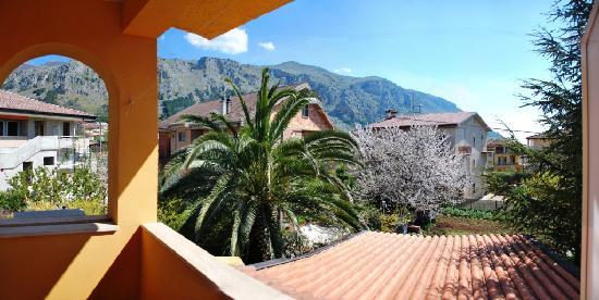 """كالابريا, إيطاليا: montagne del """"Pollino"""" dalla camera Manfriana del b&b Pieffe"""