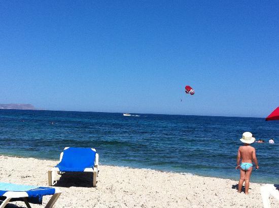 Aldemar Cretan Village: beach in front of the village