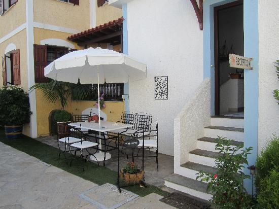 Archangelos Village: Receptionen