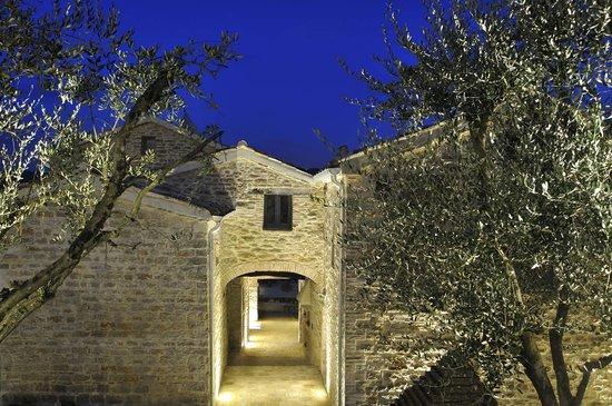 Antico Borgo Ristorante: getlstd_property_photo