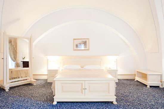 Castello Chiola Hotel