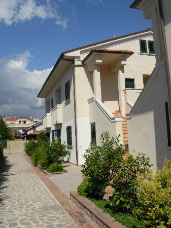 Residence Oliveto a Mare: Vista dall'entrata