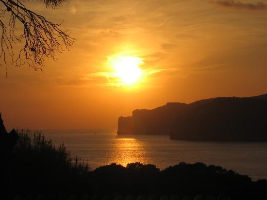 Club Santa Ponsa: ondergaande zon onder tijdens het dineren