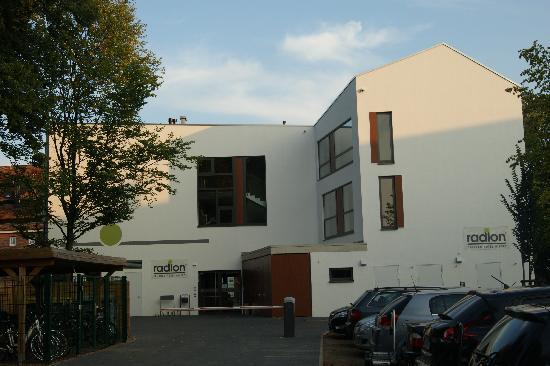 radlon Fahrrad-Komfort-Hotel: Ansicht vom Parkplatz Hotel Radlon