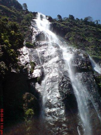 Kalupahana, Sri Lanka: Bambarakanda falls